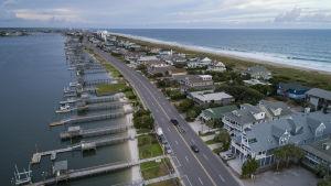 North Carolinas kust ett par dagar innan orkanen Florence väntas nå land.