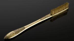 Napoleon Bonapartes tandborste med silverskaft och monogram.