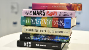 De sex böcker som var nominerade för 2018 års The Man Booker Prize.