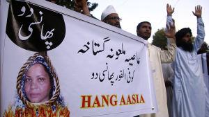 Islamister utsatte domare och försvarsadvokater för hårda påtryckningar innan det friande utslaget offentliggjordes på onsdag