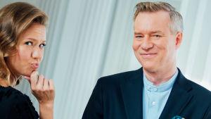 Sonja Kailassaari ja Morten Svartström katsovat kameraan.