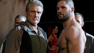 Drago poserar med sonen Viktor.