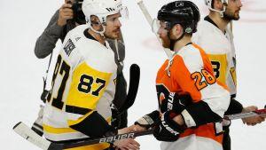 Sidney Crosby och Claude Giroux.