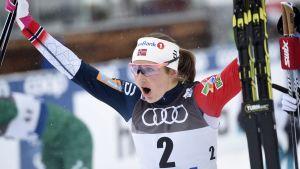 Indvild Flugstad Östberg leder Tour de Ski.