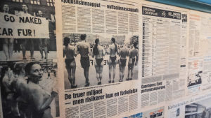 Tidningsklipp med texter på danska och grönländska.