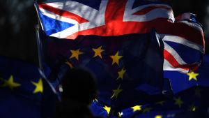 union jack och eu-flaggan