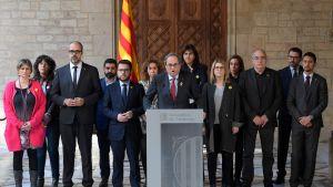 Kataloniens regionpresident Quim Torra  håller presskonferens i Palau de la Generalitat i Barcelona strax efter att fängslade separatistledare förflyttats från fängelser i Barcelona till Madrid