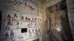 Bild från unikt gravfynd i Sakkara, Egypten.