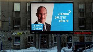 Estlands utrikesminister Toomas Tõniste på en valaffisch för  Isamaa-Fäderneslandet i Tallinn den 22 januari 2019.