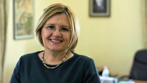 Vasilika Hysi, talman i parlamentet och medlem i det regerande socialistiska partiet.