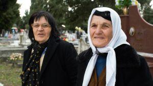 Systrarna Bedrije Staka och Safije Tusha i Shkoder i Albanien.