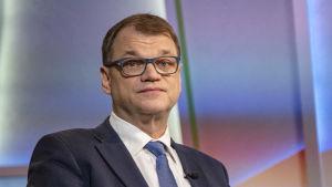 Juha Sipilä Ylen Ykkösaamussa ajettuaan parran 09.03.2018