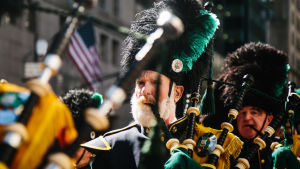 Säckpipa spelas i Saint Patrick´s Day-paraden i New York.