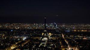 Eiffeltornet i Paris släcktes under Earth Hour 30.3.2019