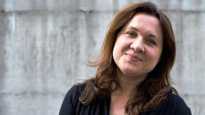 Enlig forskaren Elzbieta Korolczuk har ultrakonservativa grupper varit strategiskt skickliga i att kommunicera kring familj och välfärd som väcker starka känslor hos många