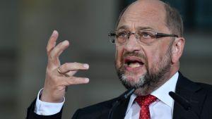 De tyska socialdemokraternas kandidat för posten som förbundskansler Martin Schulz på Gendarmenmarkt-torget i Berlin, den 22 september 2017