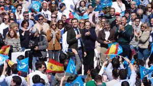 Oppositionsledaren Partido Populars ledare Pablo Casidas hoppas kunna samla högerväljarna bakom sig i valet.
