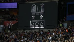 PSG hedrade Notre Dame.