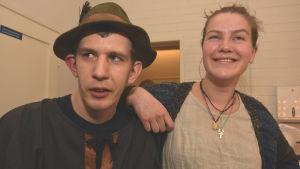 Axel Lönnroth är Robin Hood i Teater Magnitudes musikal med samma namn. Emma Kullberg är regissör.