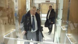 France Telecoms vd Didier Lombard i en hiss.