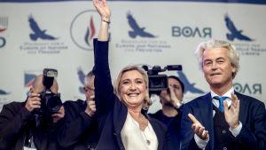 Marine Le Pen och Geert Wilders framträdde tillsammans i Prag den 25 april 2019