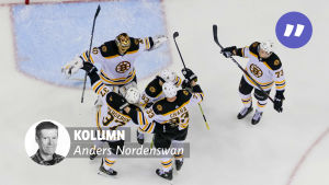 Boston Bruins firar i slutspelet.