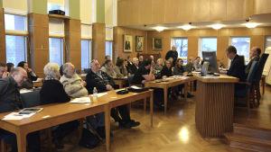 Fullmäktigemöte i Hangö.