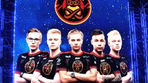 "ENCE-joukkue: Aleksi ""allu"" Jalli, Aleksi ""Aleksib"" Virolainen, Jere ""sergej"" Salo, Jani ""Aerial"" Jussila, Sami ""xseveN"" Laasanen."