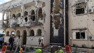 Hotell Medinas huvudbyggnad var en sorglig syn på lördag förmiddag.