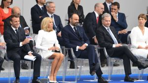 Sauli Niinistö, Brigitte Macron, Emmanuel Macron, Edouard Philippe och Kersti Kaljulaid på Bastiljdagens årliga militärparad i Paris.