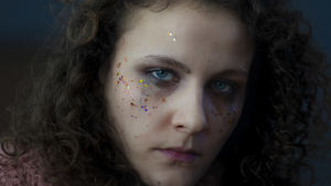 Oksana Lommi som Liv.