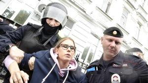 Sobol var med och organiserade en demonstration den 3.8 och greps i samband med protesten.