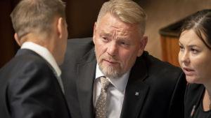 Jukka Mäkynen ja Sanna Antikainen eduskunnassa 23.10.2019