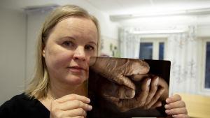 Sari Juuso on jäänyt työkyvyttömyseläkkeelle. Entinen lähihoitaja.