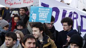 Demonstration mot pensionsreformen i Paris 10.12.2019