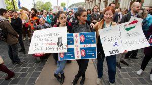 Universitetet CEU, som betyder Central European University, har blivit hårt ansatt av ungerska premiärministern Viktor Orbans parti.