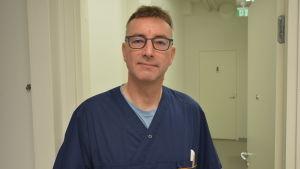 Mikael Granholm, veterinär vid Evidensia i Reso.
