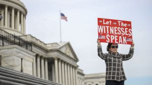 Demonstration för vittnesmål i senaten