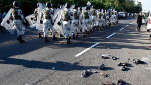 Migranter och Mexicos nationalgarde konfronterades i Ciudad Hidalgo, Chiapas, Mexiko 23.1.2020