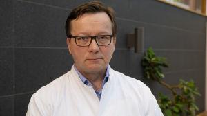 HUSin tehohoidon linjajohtaja Ville Pettilä.