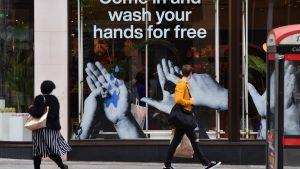 Gratis handtvättning utannonseras i Liverpool, Storbritannien 11.2.2020