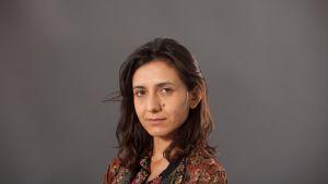 Porträttbild på en ung kvinna.