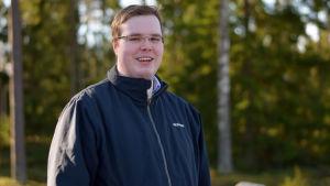 Porträttbild på Axel Jormanainen.