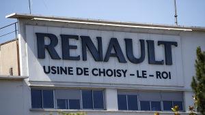 Bild på fabriksbyggnad. Fabriken är Renaults fabrik i staden Choisy-le-Roi.
