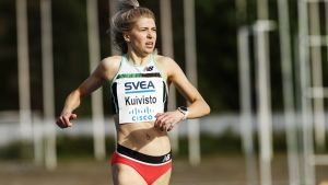 Sara Kuivisto vinner 600 meter i Lahtis 2020.