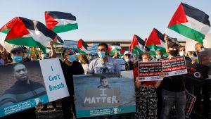 Palestinska och israeliska aktivister protesterar i Almog mot Israels annekteringsplaner 27.6.2020