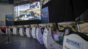 Ajosimulaattoreita Jyväskylän Paviljongissa Sim Racing eSM 2019 -tapahtumassa