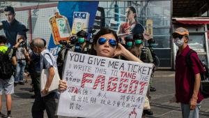 Polischefen Chris Tang är inte särskilt populär bland demokratiaktivister i Hongkong.