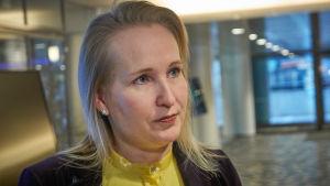 Teknologiateollisuuden työmarkkinajohtaja Minna Helle