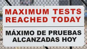 "En skylt med texten ""Maximum tests reached today"""